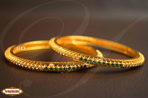 Women Design Trendy Bangles