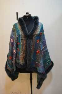 boil wool embroidery with 4 side fox fur scarves
