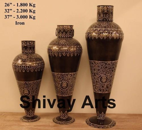Metal Iron Flower Vase Flower Pot With Emboss Work