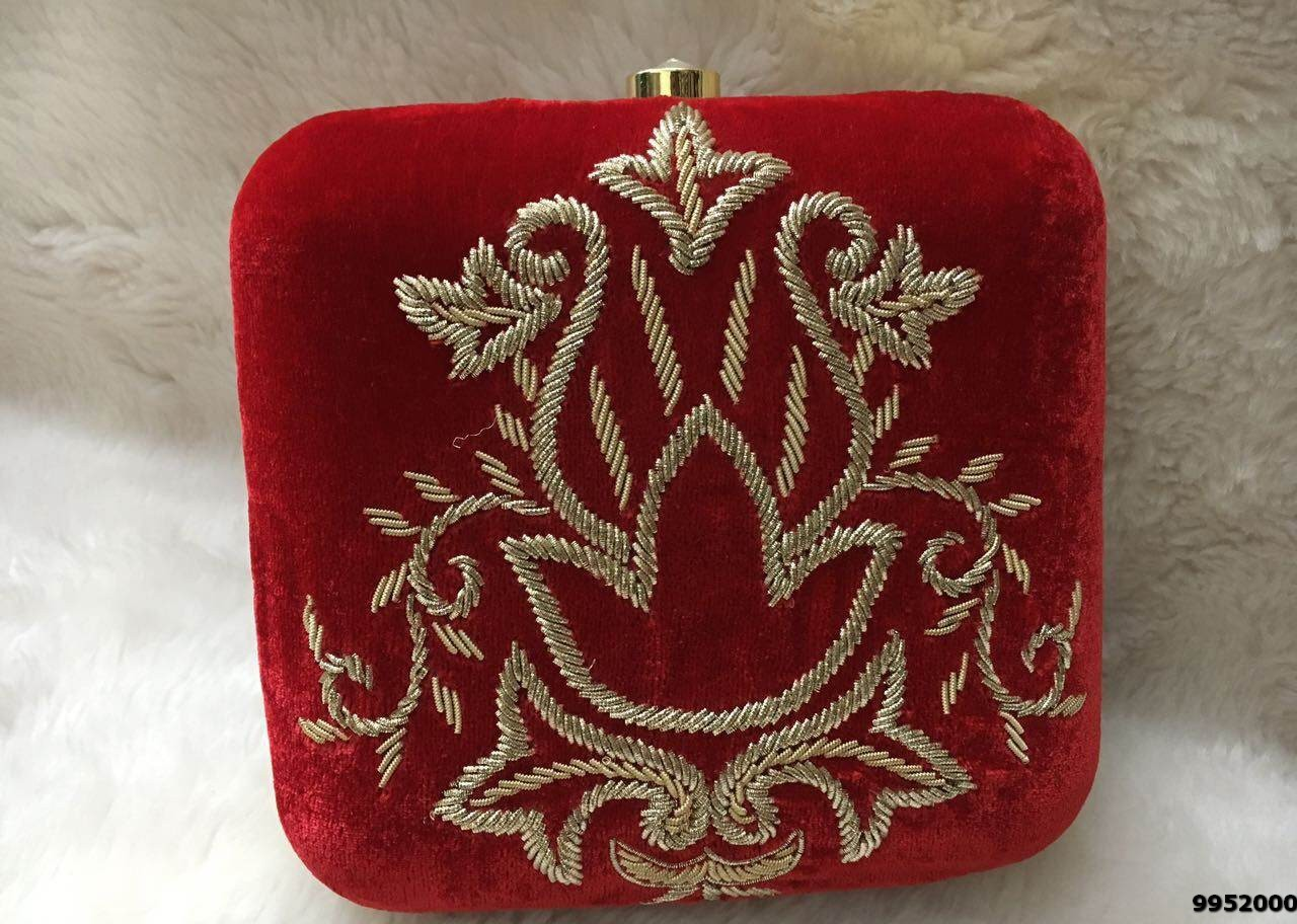 Charming Design Embroidery Box Clutch For Parties