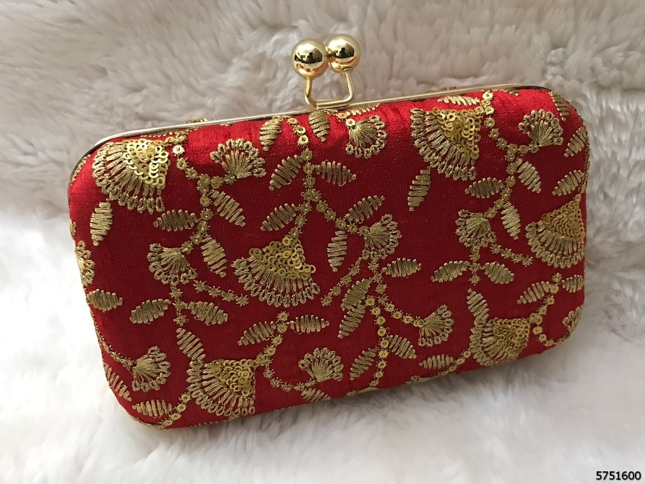 Fashionable And Classy Design Embroidery BoxClutch