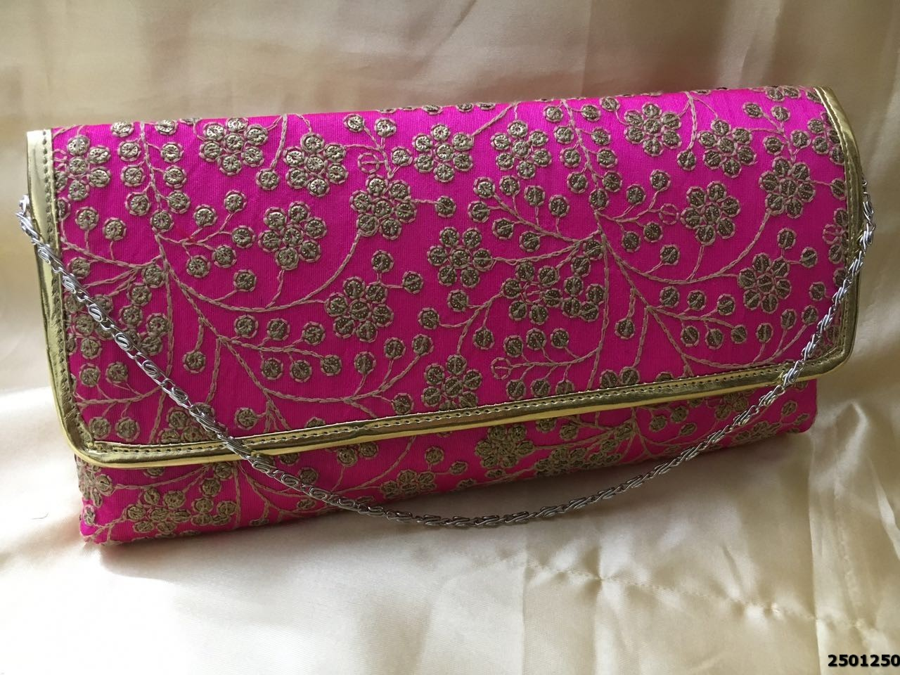 Ethnic And Classy Embroidery Clutch Bag