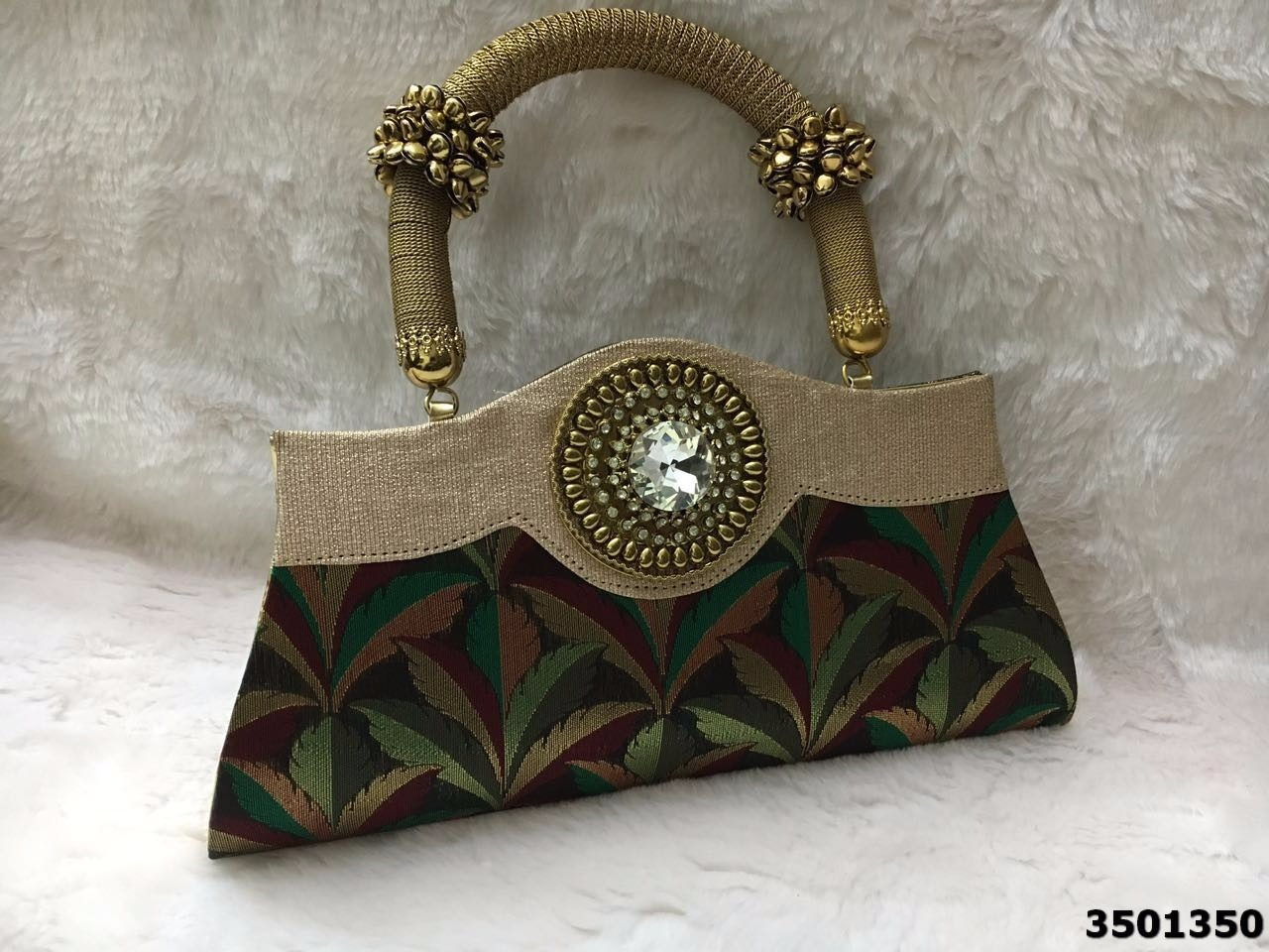 Bold And Stylish Look HandbagWith Colorful Pattern