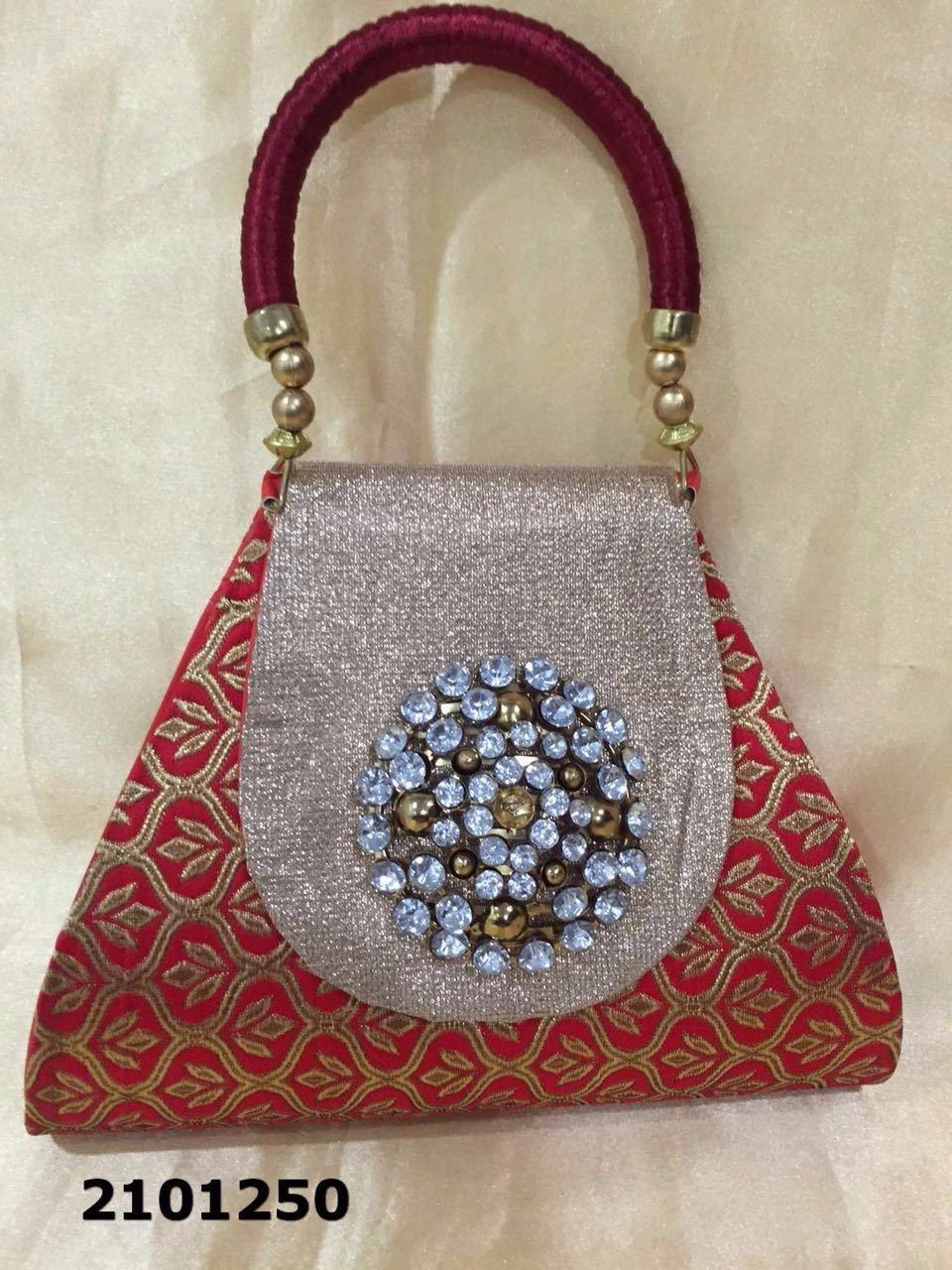 Fashionable And Classy Look Handbag