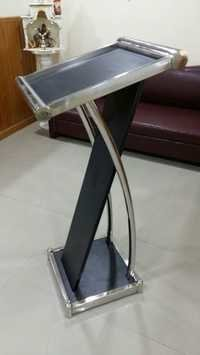 Steel Glass Display Stand