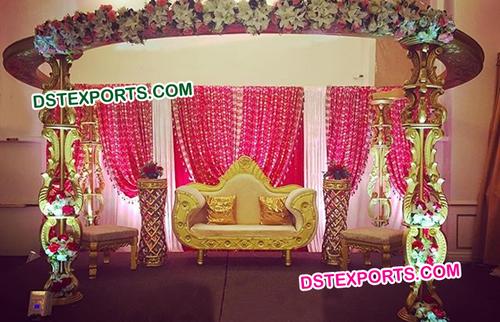 Stylish Wooden Stage Set