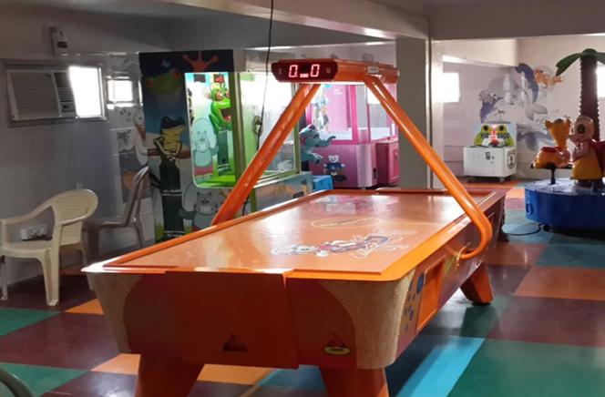 Deluxe Air Hockey Table