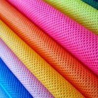 Spunbond coloured fabric