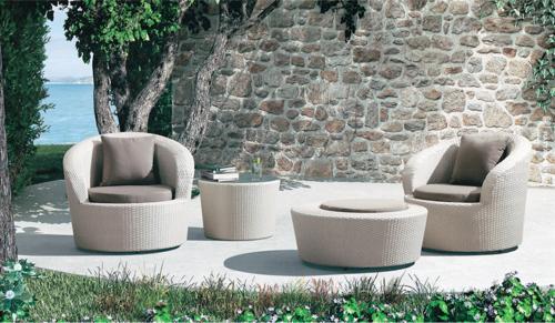 Round Sofa Style Outdoor Wicker Coffee Set