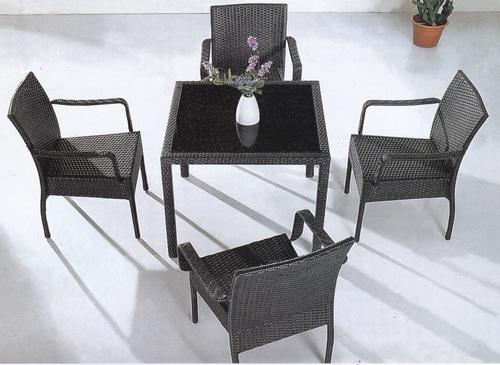 Knit Style 2 Wicker Outdoor Coffee Set