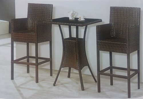 Close Knit Style Outdoor Wicker Bar Set