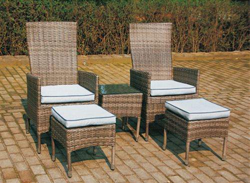 Classic Style Wicker Day Lounger