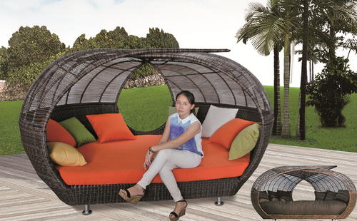 Rattan Style Wicker Day Bed