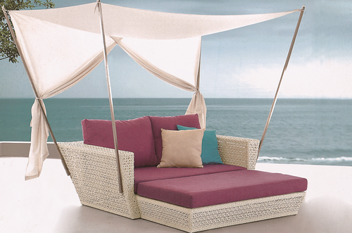 Casual Style Wicker Day Bed