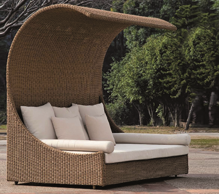 Curve Style Wicker Day Bed