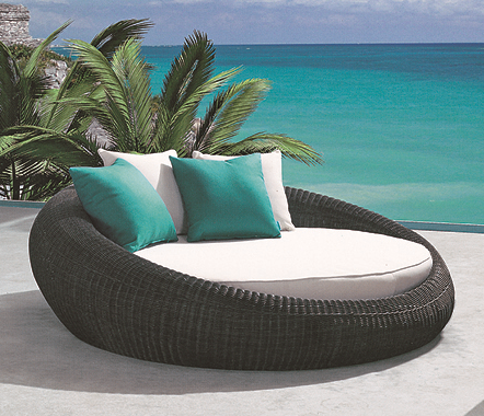 Open Style 3 Wicker Day Bed