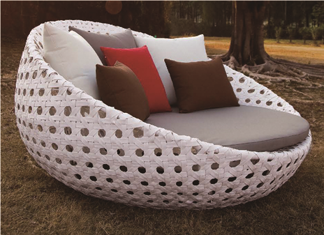 Basket Style Wicker Day Bed