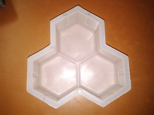 Trihex Interlocking Plastic Mould
