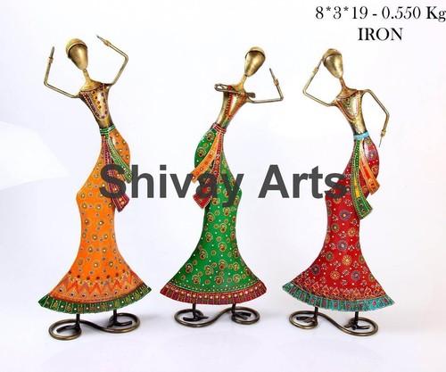 Showpiece & Figurines