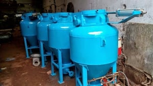 Vessel with dom valves