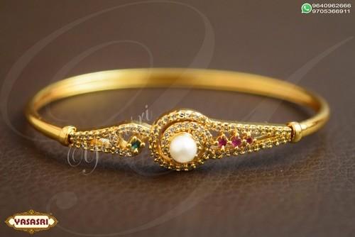 Ladies Designer Traditional Bracelet