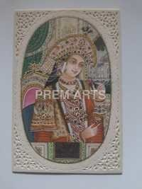 Queen Mumtaj Painting On Carved Plate