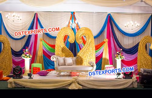 Golden Paisleys Props Decoration