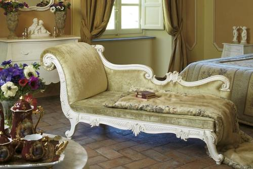 Royal looking Bed