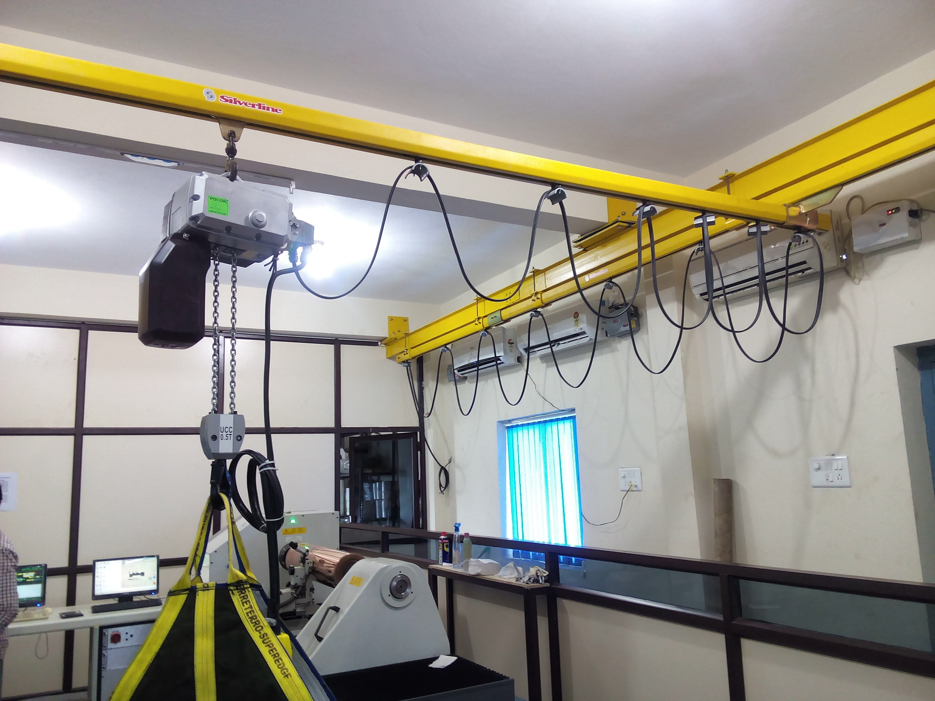 EOT Light Crane