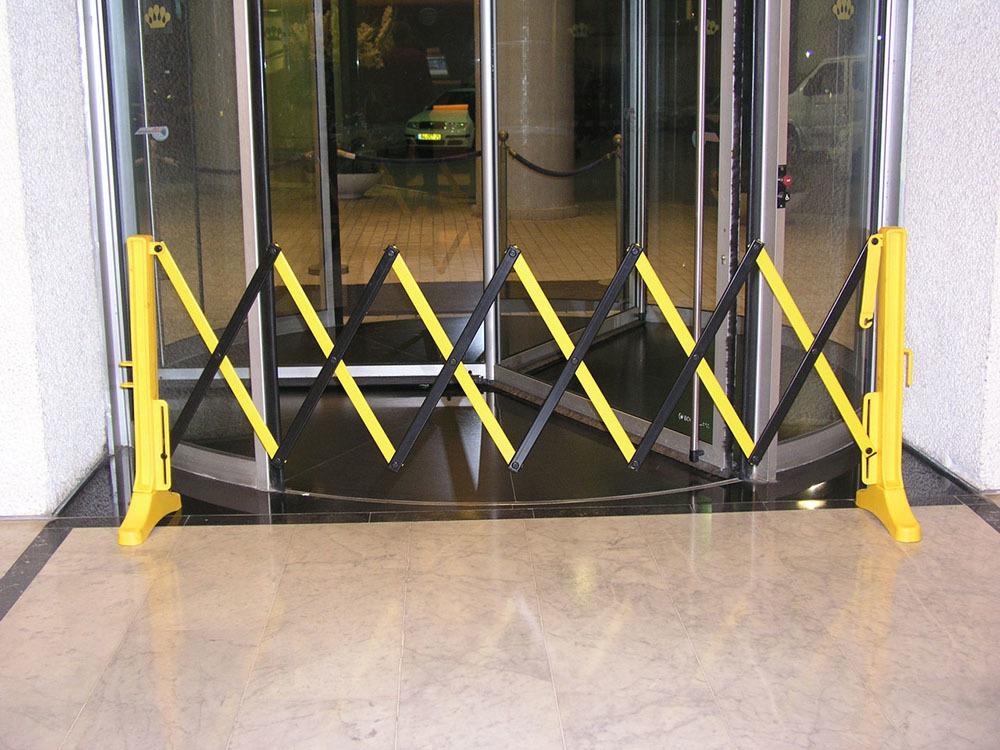 Flexicade E Expandable Barrier