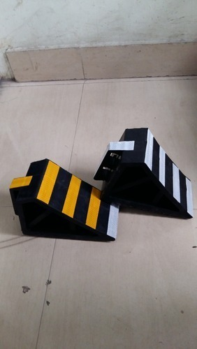 Rubber Wheel Chowk With Reflective Tape