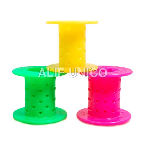 PLASTIC TWISTING ROLL