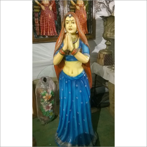Welcome Lady Statue