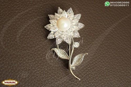 New model saree pin