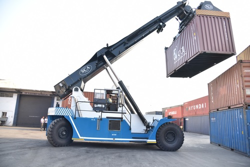 Loaded Containers Reach Stakers
