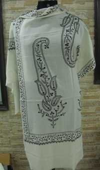 merino wool 4 side border with big paisley embroid