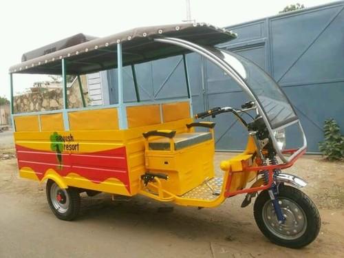 School Van E-Rickshaw