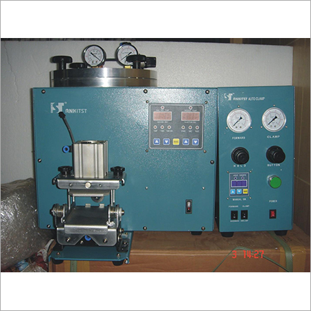 Vacuum Wax Injector with auto clamp