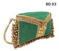 Traditional Design Metal Clutch