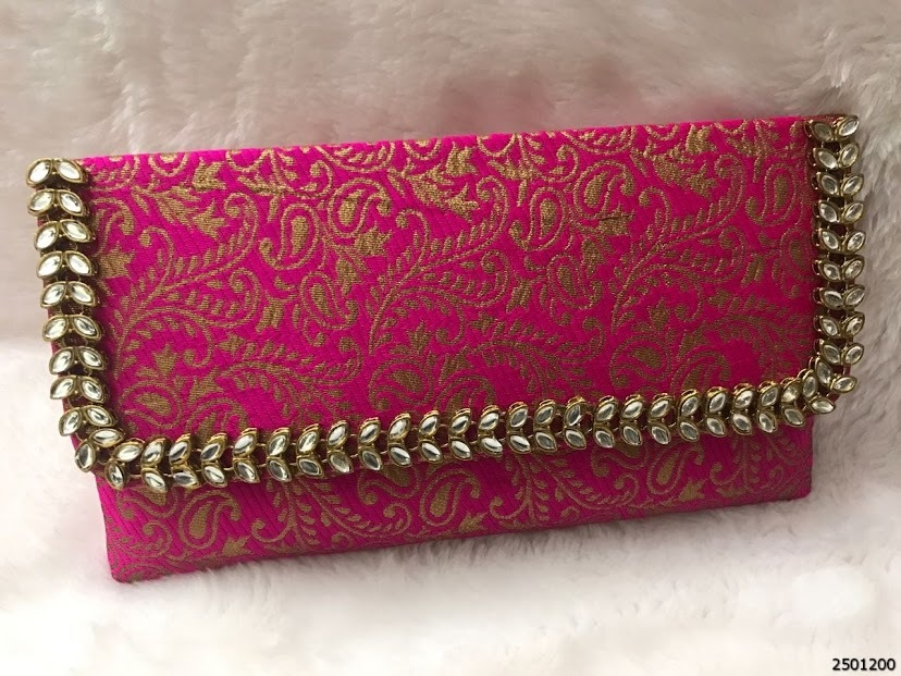 Beautiful And Elegant Brocade Ladies Clutch Bag
