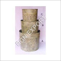 Flower Pots & Garden Accessories