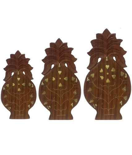 Desi Karigar Wooden Wall Hanging Key Hanger Pineapple shaped