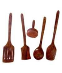 Desi Karigar wooden sheesham ladel set of 4 + 1 masher