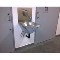 Single Sink (Wall Mounted)