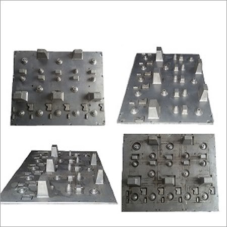 Vacuum Formed Tray For packaging of Different Parts