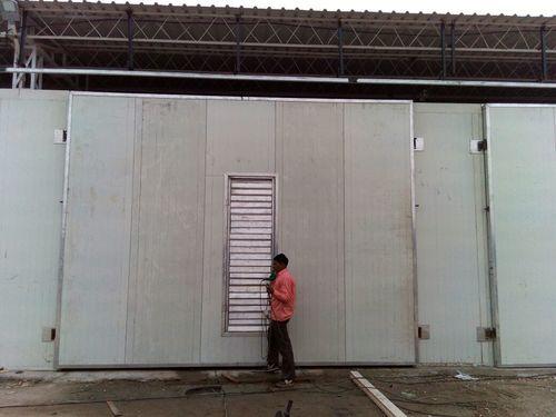 AC ROOM DOOR