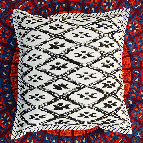 COTTON CUSHION COVER HAND PRINTED