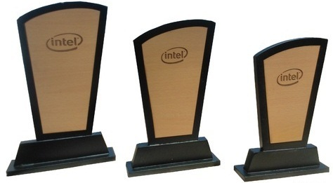 TROPHIES AWARDS & PLAQUES