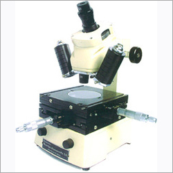 Toolmakers Microscope Profile Projector