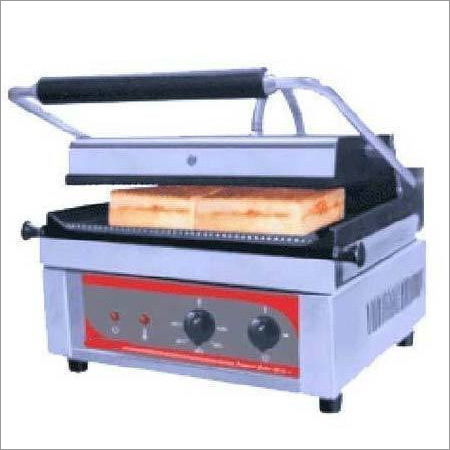 Sandwich Griller Machine